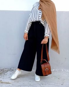 best spring and summer outfit ideas you have to try this year Hijab Fashion Summer, Modern Hijab Fashion, Street Hijab Fashion, Hijab Fashion Inspiration, Fashion Trends, Hijab Look, Hijab Style, Hijab Chic, Casual Hijab Outfit