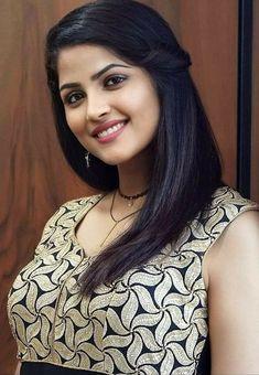 Beautiful Blonde Girl, Beautiful Girl Indian, Most Beautiful Indian Actress, Indian Hair Cuts, Indian Face, Cute Beauty, Beauty Full Girl, Beauty Girls, Beauty Women