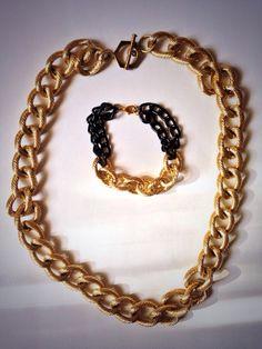 Collar de cadena dorada con exclusiva pulsera! #CalMich pregunta por el precio!