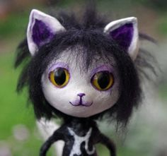 OOAK Gothic Siousie kitty. Paper clay Art Doll by Villaoscura