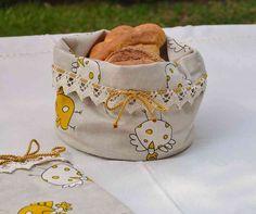 PORTAPANE - Linea Gallinella Gialla - PatriziaB.com  Elegante sacchetto porta pane realizzato artigianalmente in tessuto 100% cotone,  con base imbottita e finemente arricchito