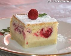 Wonderful white coffee cake is topped with fresh strawberry and crumb topping.Preheat oven to 350 degrees F degrees C). Grease a baking pan.Beat cup butter in a bowl until creamy; Food Cakes, Cupcake Cakes, Cupcakes, Strawberry Coffee Cakes, Strawberry Recipes, Strawberry Crumb Cake Recipe, Strawberry Puree, Strawberry Shortcake, Bolo Chiffon