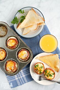 These Easy Bacon & Egg Cups are perfectly poppable & portable making them great for a weekend brunch spread or for a quick & hearty breakfast on the go.