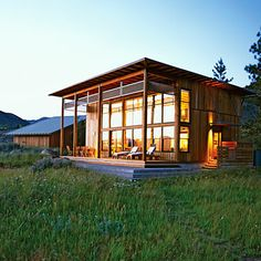 Creative cabin is packed with great ideas for small home design. Small Cabin for family to stay in Little Cabin, Little Houses, Tiny Houses, Cob Houses, Guest Houses, Architecture Design, Sustainable Architecture, Casa Loft, Outdoor Living Rooms