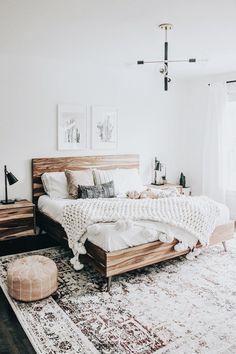 modern boho bedroom - It's all boho! modern boho bedroom - It's all boho! - modern boho bedroom - It's all boho! modern boho bedroom - It's all boho! Bedroom Inspo, Home Bedroom, Bedroom Inspiration, Bedroom Apartment, Bedroom With Couch, Boho Inspiration, Bedroom Wardrobe, Furniture Inspiration, Simple Bedroom Decor