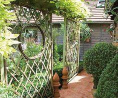 Cloisons trompe-l'oeil au jardin - Claustra en châtaignier