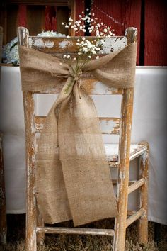 rustic boho vintage wedding hessian. Vintage, boho and rustic wedding theme ideas, decorations and party inspiration perfect for country or festival themed boho weddings