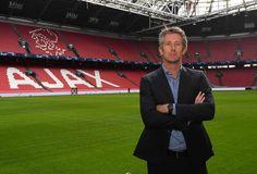 Ajax Boss van der Sar will (auch) mit Salzburg kooperieren Champions League, Manchester United, Fc Red Bull Salzburg, Amsterdam, Boss, Interview, Breast, Van, Not Interested
