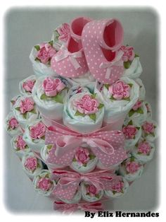 Baby Shower Gift Ideas for Expecting Moms – Diaper Cakes – Baby Shower Ideas for Girls – Grandcrafter – DIY Christmas Ideas ♥ Homes Decoration Ideas Baby Cakes, Baby Shower Cakes, Baby Shower Diapers, Baby Shower Fun, Baby Shower Themes, Baby Shower Gifts, Baby Gifts, Shower Ideas, Diaper Shower