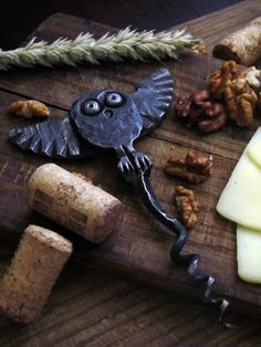 Hand forged Owl CORKSCREW Wine Bottle Opener Metal animalistic bird figure Housewarming gift for owl lovers Wine accessories Kitchen utencil