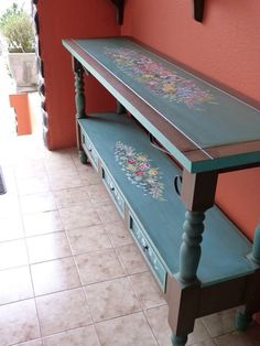 Bauernmalerei Mundo da Arte Atelier a beautiful side table