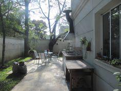 Al eliminar los muros, el patio gano un mayor espacio