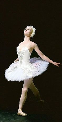Ballet costumes through the ages