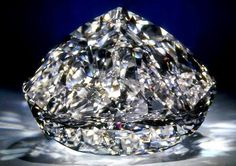 The Centenary diamond is famous for being a perfect flawless diamond - a diamond quality that is extremely rare certainly for a diamond of 273.85 carats.  Geology Wonders