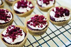 Red Velvet Cupcakes with Sugar-Free Cream Cheese Frosting #vegan | Keepin' It Kind