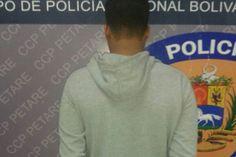 <p>17/03/2016/Últimas Noticias/YR El aprehendido fue identificado como Darwin Antonio Barriento Díaz (31) Efectivos de la Policía Nacional detuvieron en Quinta Crespo al presunto asesino del periodista Ricardo Durán, asesinado el 20 de enero en Caricuao. El aprehendido fue identificado como…</p>