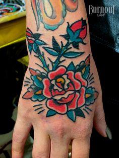 Rose on Hand | BURNOUT INK TATTOO PARLOUR | Palma de Mallorca, Spain, Tattoo Mallorca, Tatuajes Palma de Mallorca, Tättowierungen Mallorca