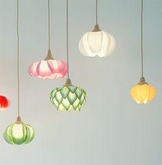 Washi paper flower lights by Sachie Muramatsu Homemade Lamps, Homemade Home Decor, Homemade Art, Homemade Lamp Shades, Bedroom Light Shades, Paper Light Shades, Flower Lamp, Flower Lights, Design Crafts