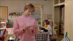 世界旅遊過花:她yeppeotda第六屆高浚熙時尚:襯衫南部上衣,粉紅色的男人對男人汗水的T卹,亮片褲子半長褲,耳環項鍊,鞋子,裙子,包包