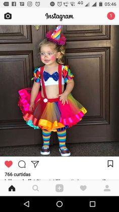 Palhacinha Birthday Girl Dress, Circus Birthday, Birthday Tutu, Circus Party, Costume Halloween, Christmas Costumes, Baby Halloween, Dress Up Costumes, Cute Costumes
