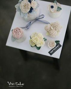 Rice cake. Bean paste flower. Made by_student . . 비비케이크 www.vivi-cake.com…