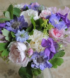 Rose and sweetpea bouquet by Foxgloves and Roses