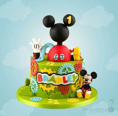 Mickey mouse clubhouse cakeMickey mouse clubhouse cake