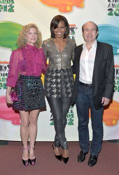 Michelle Obama Skinny Pants - Michelle Obama sported a pop star-worthy look, consisting of skinny silver pants and an embellished top, at the Kids' Choice Awards.