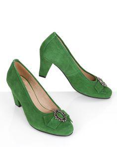 Onlineshop: http://www.hse24.de/Mode/Lola-Paltinger-Trachtenpumps-mit-Schmuck-Applikation-pu51935703.html?mkt=som&refID=pinterest/Mode/Lola-Paltinger&emsrc=socialmedia Trachtenmode Schuhe Pumps Leder #fashion #style #trend #accessoires #shopping #wiesn
