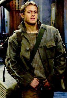 Charlie Hunnam as Raleigh Becket in Pacific Rim Brad Pitt, Charlie Sons Of Anarchy, Raleigh Becket, Charlie Hunnam Soa, Hero Movie, Jax Teller, Avan Jogia, Jesse Metcalfe, Pacific Rim