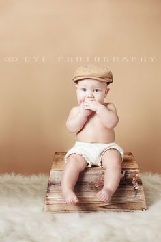 6 month old baby boy on bucket. This is a composite!    www.facebook.com/cyephotography  www.cyephotography.com