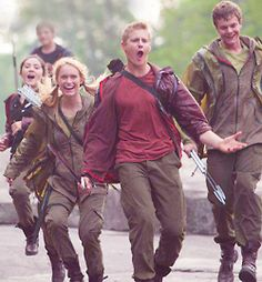 mine hunger games Marvel isabelle fuhrman alexander ludwig Cato Jack Quaid Clove thgspoilers thgspoiler realpieceofluck Hunger Games Memes, Hunger Games Fandom, Hunger Games Catching Fire, Hunger Games Trilogy, Marvel Hunger Games, Cato Hunger Games, Clove Hunger Games, Hunger Games Problems, Fangirl Problems