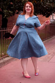 Curvy Women Fashion, Plus Size Fashion, Womens Fashion, Chi Chi, Style Pin-up, Tops Vintage, Pin Up, Women's Plus Size Swimwear, Chubby Girl