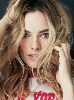 Margot Robbie's eyes