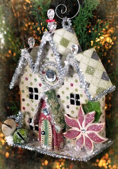 Christmas House Ornament.  Template for the house --> http://www.victoriamag.com/uploadedFiles/Victoria/Entertaining_and_Recipes/Holidays/HarvestHouses.pdf