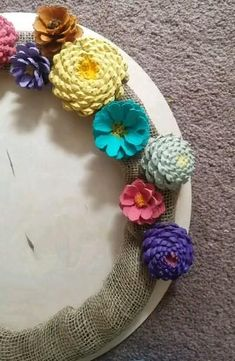 I wanted to try out making these pinecone flowers since I have so man. Rock Crafts, Diy Arts And Crafts, Fall Crafts, Handmade Crafts, Holiday Crafts, Crafts For Kids, Diy Crafts, Pine Cone Art, Pine Cone Crafts