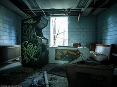 Abandoned Arcades - A glimse to the past of the golden era of arcades