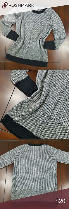 Kenneth Cole Contrast Crewneck Sweater Available pre-loved in size small. There are no holes no tears and no stains. 68% viscose 28% wool 2% nylon 2% acrylic. Dry clean. Black / White Kenneth Cole Sweaters Crew & Scoop Necks