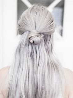 "This is a gorgeous hair style to remember. I definitely plan on keeping my hair longer as I get older and older. Am I the only woman of my generation that finds it's quite distasteful when older women chop their hair off into a ""popcorn"" style hairdo! Pretty Hairstyles, Easy Hairstyles, Summer Hairstyles, Hairstyles 2018, Scene Hairstyles, Straight Hairstyles, Easy Morning Hairstyles, Fashion Hairstyles, Style Hairstyle"