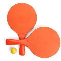 Raquetas de playa en color naranja con pelota amarilla. Personalizables con tu logo o diseño. Color Naranja, Pop, Products, Blood Orange, Yellow Girl Nurseries, Corporate Gifts, Natural Wood, Personalized Gifts, Summer Time