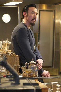 """THE STRAIN -- """"Collaborators"""" -- Episode 307 -- (Airs Sunday, October 9, 10:00 pm e/p) Pictured: Kevin Durand as Vasily Fet. CR: Michael Gibson/FX"""