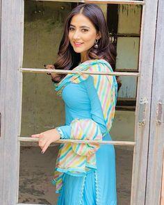 Punjabi Suits Designer Boutique, Indian Designer Suits, Punjabi Actress, Bollywood Actress Hot, Indian Bridal Outfits, Indian Dresses, Punjabi Fashion, Indian Fashion, Beautiful Girl Photo