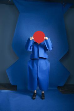 Idoménée Fashion Book Spring/Summer Comme des Garçons by Sophie Delaporte Rei Kawakubo, Foto Fashion, Fashion Art, Fashion Design, Blue Fashion, Fashion Models, Shades Of Blue, Red And Blue, Editorial Photography