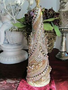 Jewelry Christmas Tree, Eye For Detail, Crystal Rhinestone, Balls, Swarovski, Christmas Decorations, Ornaments, Crystals, Earrings