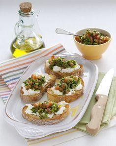 burrata e . Easy Appetizer Recipes, Appetizers For Party, Bruschetta, Cookbook Recipes, Keto Recipes, Ratatouille, Party Finger Foods, Mini Foods, Food Humor