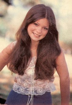 Since Taxman is a big fan of Valerie Bertinelli, here's an appealing photo of her in her heyday. Valerie Bertinelli Young, Gorgeous Teen, Beautiful Ladies, Bionic Woman, Celebs, Celebrities, Girl Crushes, Famous Faces, 34c