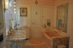 Ultimate Pink Bathroom | Flickr - Photo Sharing!