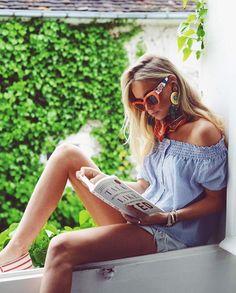 Claartje Rose, Dutch Blogger, stripes top, orange sunglasses, summer