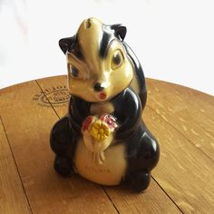 Rare chalkware skunk Disney inspired kids bank - Petunia the skunk carnival prize from the 1940 - woodland animal vintage nursery decor