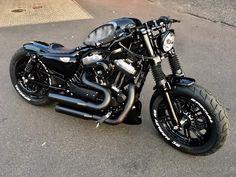 Sportster Cafe Racer, Sportster Iron, Harley Bobber, Harley Bikes, Bobber Bikes, Bobber Motorcycle, Harley Davidson Chopper, Harley Davidson Sportster, Custom Bobber